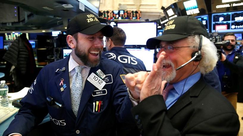 Wall Street outra vez em valores recorde com atenções voltadas para resultados