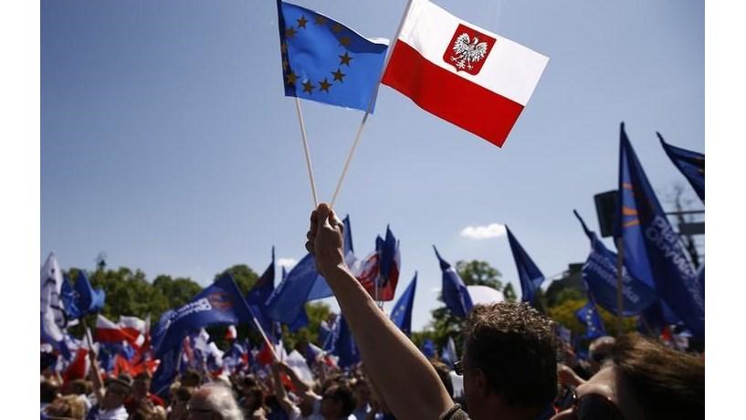 Primeiro-ministro da Polónia diz que vai ultrapassar PIB per capita de Portugal em 2019