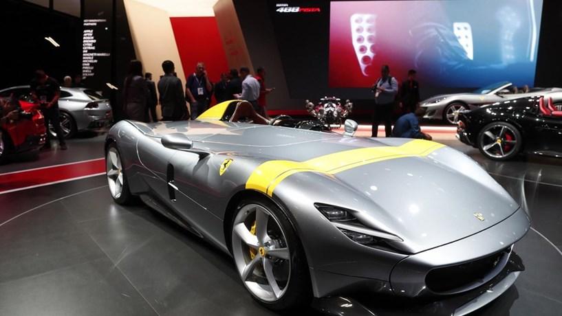 """5375f91e257 Ferrari escolhe 499 """"sortudos"""" para modelo Monza"""